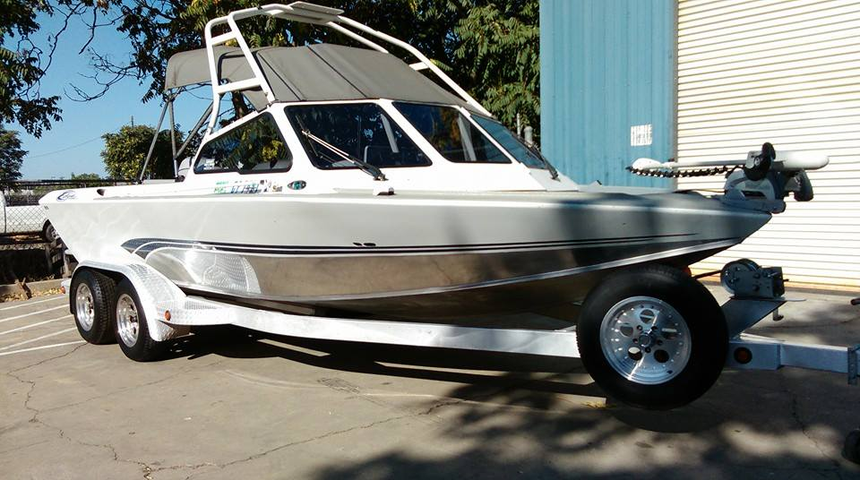 aluminum boat polished and detailed inside and out on this aluminum fishing boat in yuba city